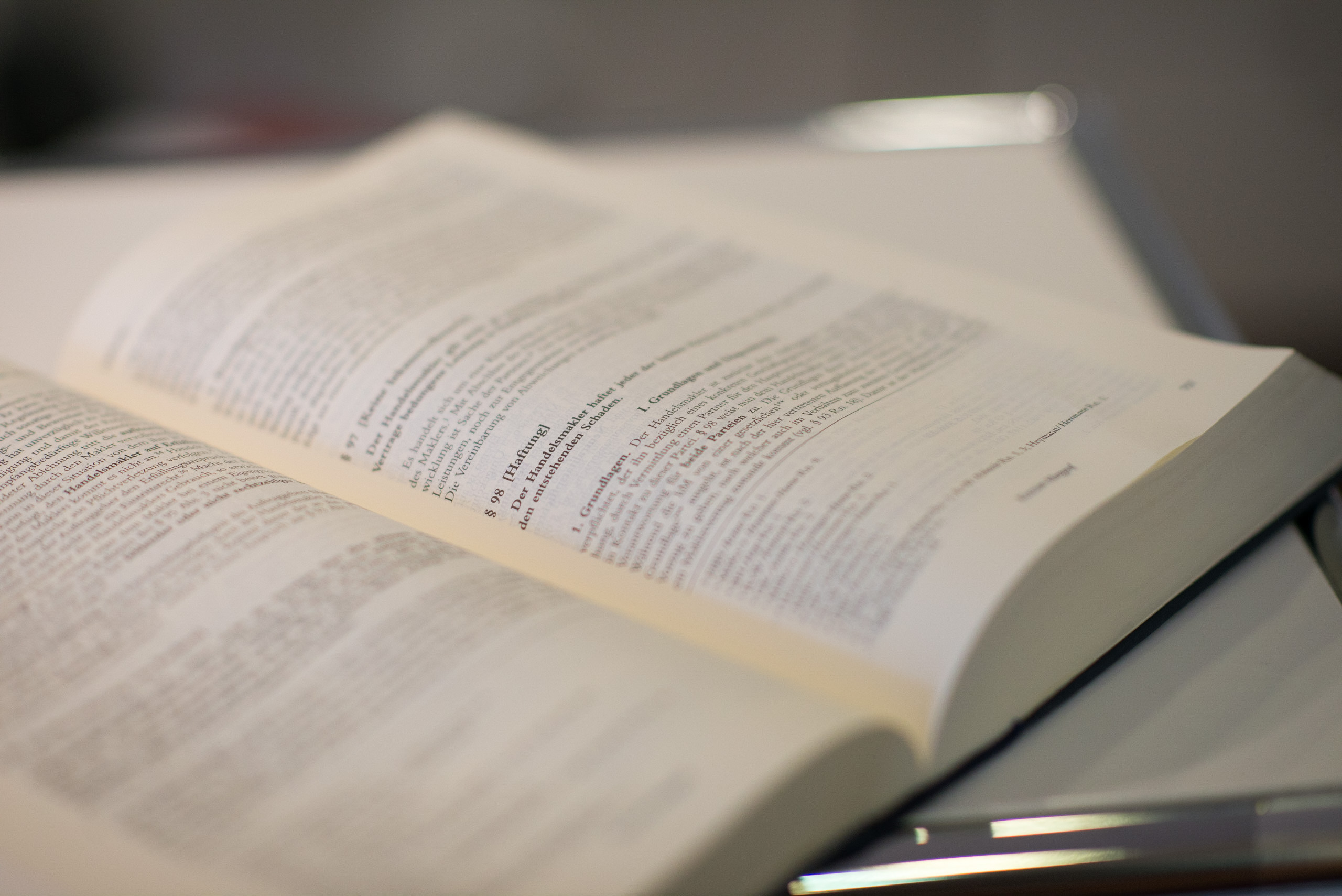réserver l'obligation légale de publication du site internet
