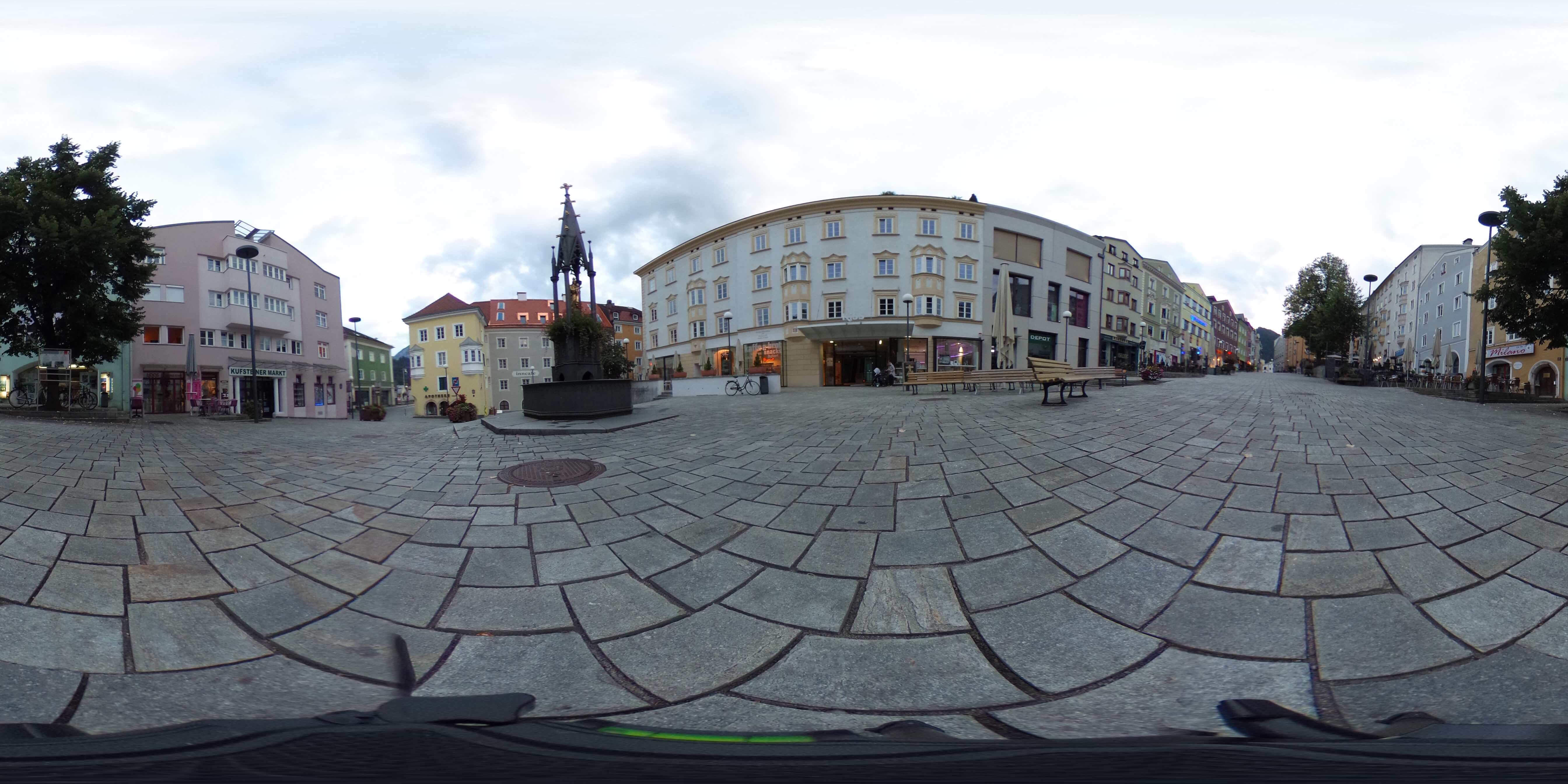 Kufstein-Stadtplatz-Original social media facebook 360 Grad Video 360 Grad Foto