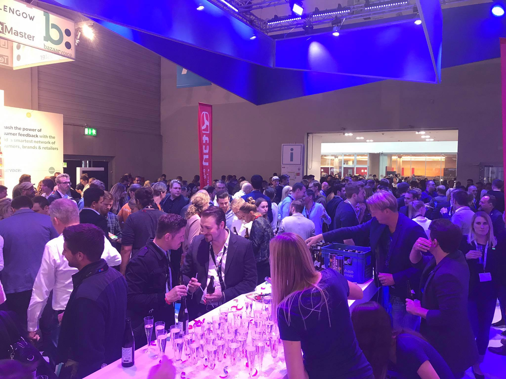 party-full-booth3 dmexco